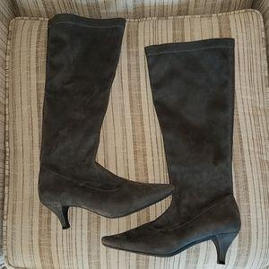 Aerosole grey suede boots